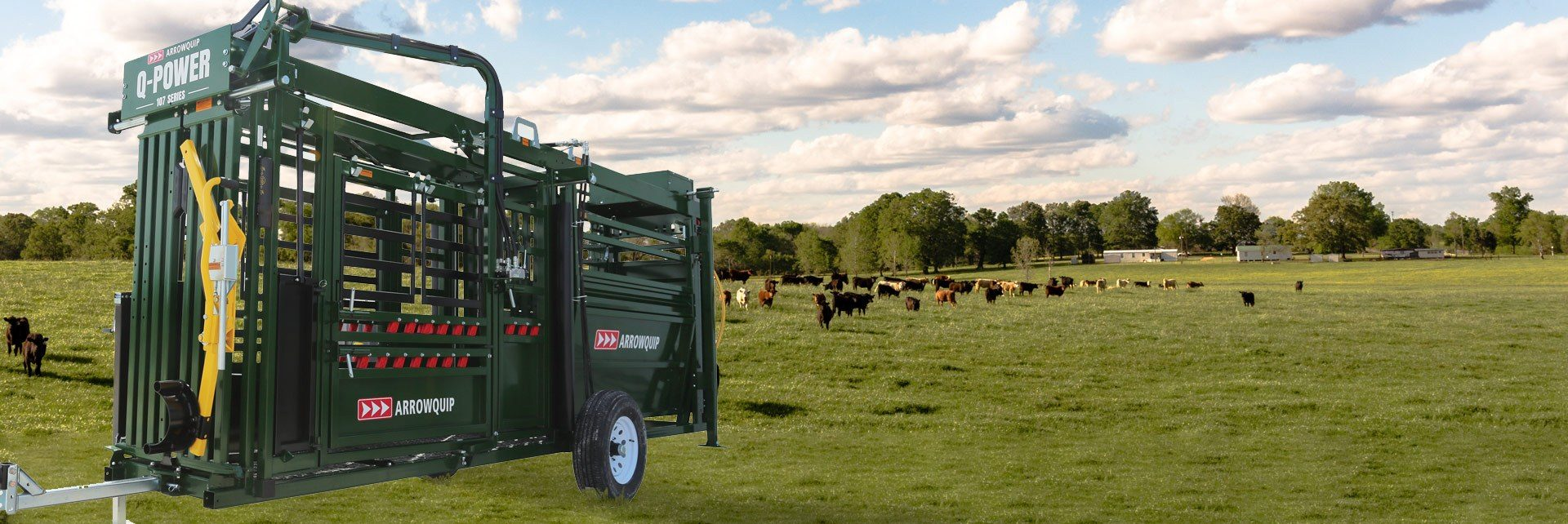 Hydraulic portable cattle chute and alley in pasture ready for towing