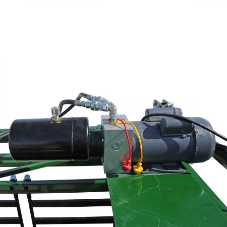 Hydraulic motor mounted ontop of a chute.