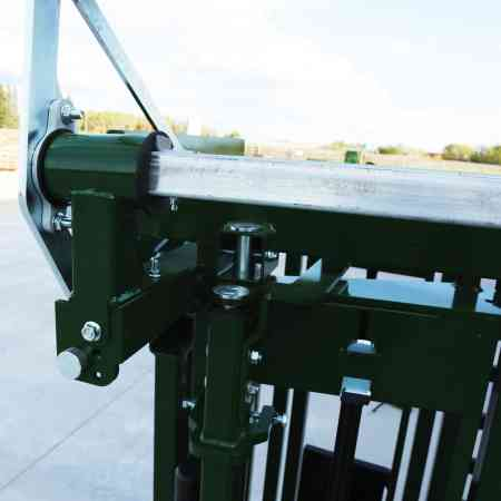 Q-Catch 74 Series Squeeze Chute direct drive system
