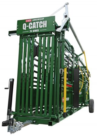 image of cattle head gate on portable cattle handling system