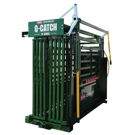 Q-Catch 74 series MR squeeze chute from the side