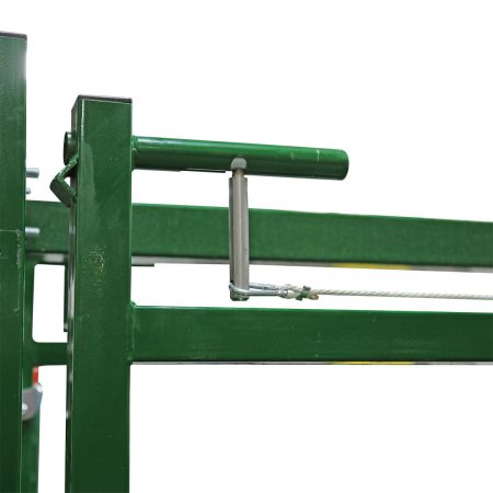 Easy Flow adjustable cattle race locking system