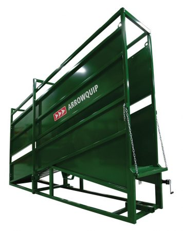 Side view of stationary cattle loading chute by Arrowquip