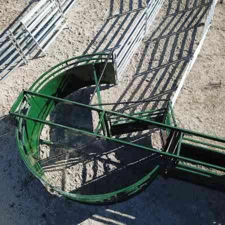Vue de haut d'enclos à bovins avec système 3E