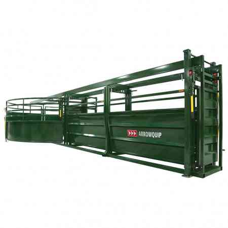 Portable Cattle Tub and Alley on Ground from back | Arrowquip Cattle Equipment