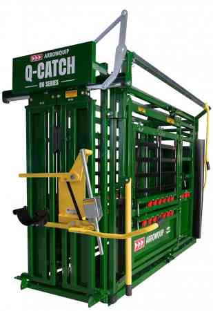 Q-Catch 86 Series Cattle Crush Deluxe Vet side view by Arrowquip