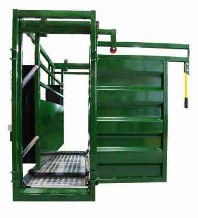 Cattle Scale Crate | Adjustable Cattle Alley | Arrowquip Cattle Equipment