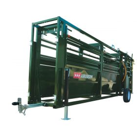 mobile cattle forcing pen and race from the front